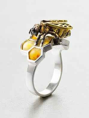 Nhẫn trang sức Amber Jewelry bạc 22K đính đá hổ phách màu sữa (Winnie the pooh 16) phủ kim loại Rhodium - 706302138